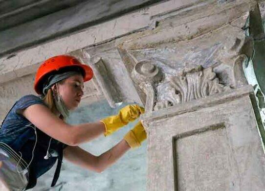 Реставраторы строители